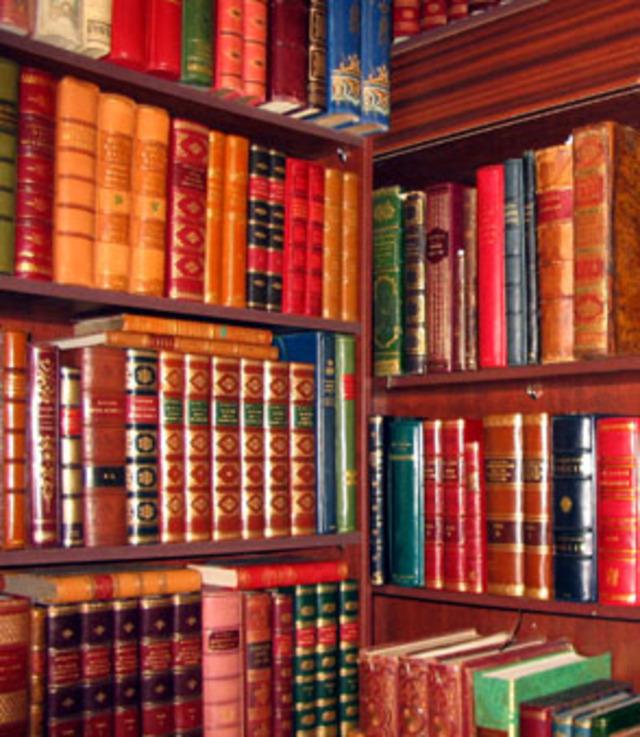 Некоторые книги, конечно же, повторяются. Например, те же Мертвые